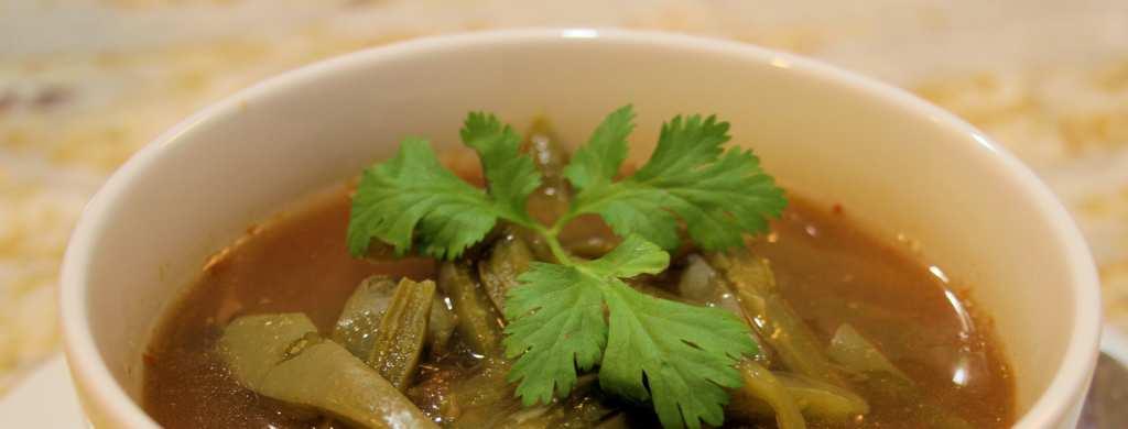 Sopa de Nopal y Espinacas